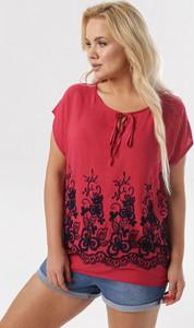 Czerwona bluzka born2be w stylu casual z okrągłym dekoltem z krótkim rękawem
