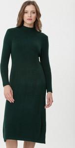 Zielona sukienka born2be z długim rękawem w stylu casual