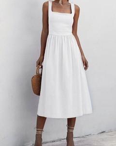 Sukienka Kendallme na ramiączkach w stylu boho z dekoltem w kształcie litery v
