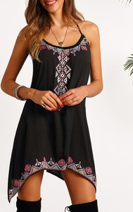 Czarna sukienka Sandbella mini w stylu boho