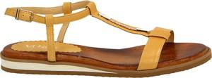 Brązowe sandały Venezia w stylu casual z płaską podeszwą z klamrami