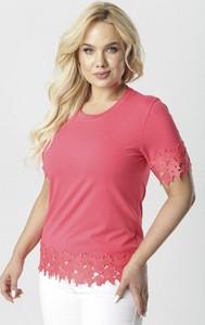Różowa bluzka born2be z okrągłym dekoltem z krótkim rękawem