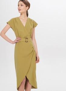 Zielona sukienka Mohito midi z dekoltem w kształcie litery v