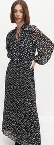 Sukienka Reserved midi z długim rękawem w stylu boho