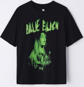 Czarny t-shirt Cropp w młodzieżowym stylu z krótkim rękawem z okrągłym dekoltem