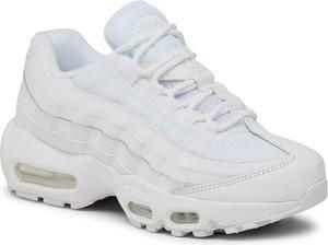 Buty sportowe Nike ze skóry sznurowane na platformie