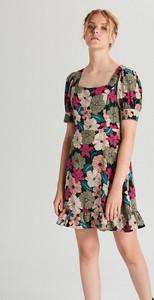 Sukienka Cropp z krótkim rękawem