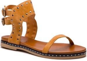 Brązowe sandały Badura z płaską podeszwą ze skóry w stylu casual