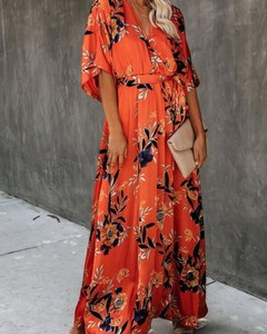 Czerwona sukienka Kendallme z dekoltem w kształcie litery v z długim rękawem maxi