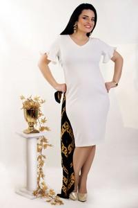 Sukienka Oscar Fashion z dekoltem w kształcie litery v ołówkowa