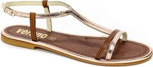 Sandały Verano z klamrami ze skóry z płaską podeszwą