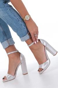 Srebrne sandały Casu ze skóry ekologicznej