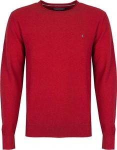 Czerwony sweter Tommy Hilfiger w stylu casual z okrągłym dekoltem