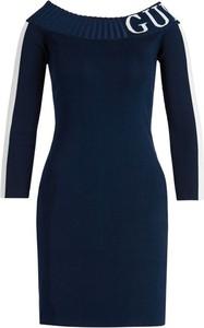 Granatowa sukienka Guess w stylu casual z długim rękawem