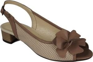 Brązowe sandały Jankobut na obcasie na niskim obcasie w stylu klasycznym