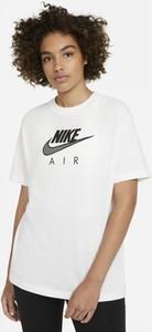 T-shirt Nike w sportowym stylu z bawełny z okrągłym dekoltem