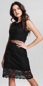 Czarna sukienka Renee trapezowa bez rękawów z okrągłym dekoltem