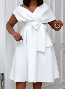 Sukienka Arilook z krótkim rękawem midi