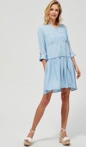 Niebieska sukienka Moodo z długim rękawem z dekoltem w kształcie litery v