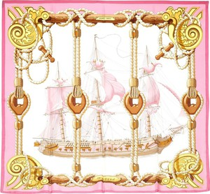 Różowy szalik Hermes