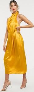 Złota sukienka Asos Edition maxi z dekoltem halter