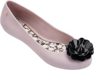 Różowe baleriny Zaxy