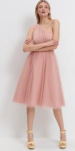 Sukienka Mohito z tiulu bez rękawów