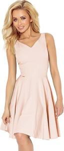 Różowa sukienka NUMOCO bez rękawów rozkloszowana