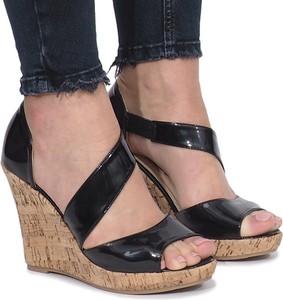 Czarne sandały Gemre w stylu glamour na wysokim obcasie