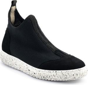 Czarne buty sportowe Neścior z zamszu z płaską podeszwą