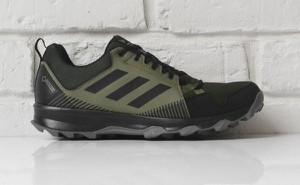 Buty sportowe Adidas sznurowane z goretexu