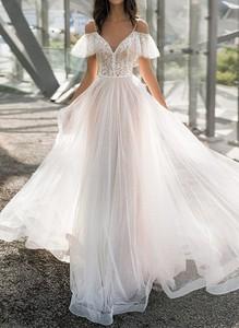 Sukienka Sandbella z dekoltem w kształcie litery v maxi z krótkim rękawem