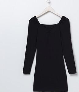 Czarna sukienka Sinsay z długim rękawem