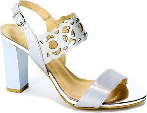 Sandały Gamis ze skóry na średnim obcasie