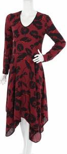 Czerwona sukienka Sisley midi z dekoltem w kształcie litery v z długim rękawem