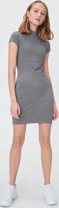 Sukienka Sinsay z krótkim rękawem w stylu casual mini