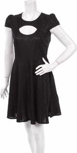Czarna sukienka Simply Be rozkloszowana mini w stylu casual