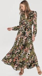 Sukienka born2be w stylu boho z długim rękawem z dekoltem w kształcie litery v