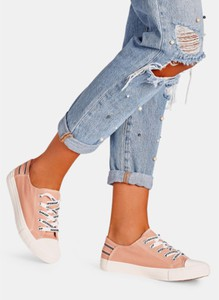 Różowe trampki DeeZee sznurowane w młodzieżowym stylu z płaską podeszwą