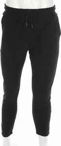 Czarne spodnie sportowe topman