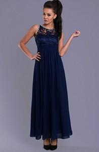 Sukienka Moda Dla Ciebie z okrągłym dekoltem