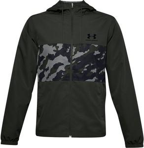 Czarna kurtka Under Armour w sportowym stylu