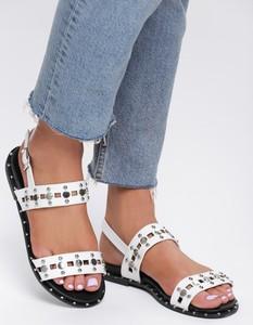 Sandały Renee z klamrami w stylu casual