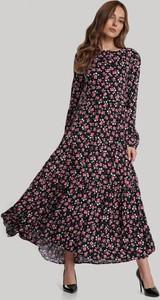 Sukienka Renee z okrągłym dekoltem z długim rękawem maxi