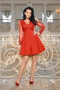 Sukienka Bicotone z dekoltem w kształcie litery v z tkaniny
