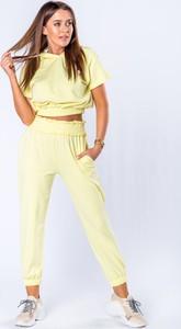 Żółty dres Moda Dla Ciebie z dresówki