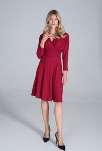 Czerwona sukienka Figl z długim rękawem z dekoltem w kształcie litery v midi