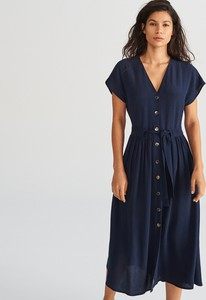 d08ab08c7c83f Granatowa sukienka Reserved z krótkim rękawem midi