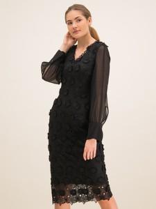Czarna sukienka Laurèl prosta z dekoltem w kształcie litery v