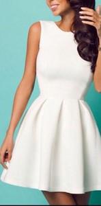 b836946b58 eleganckie sukienki na wesele duże rozmiary - stylowo i modnie z Allani